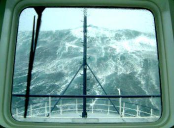 4d96990c56f5f4287df9e3ddba6ada08--giant-waves-huge-waves